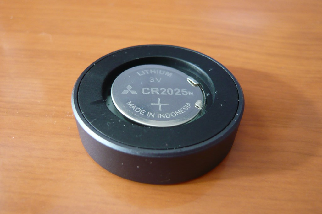 BluetoothリモコンLAT-RC01BKにCR2025を入れたところ